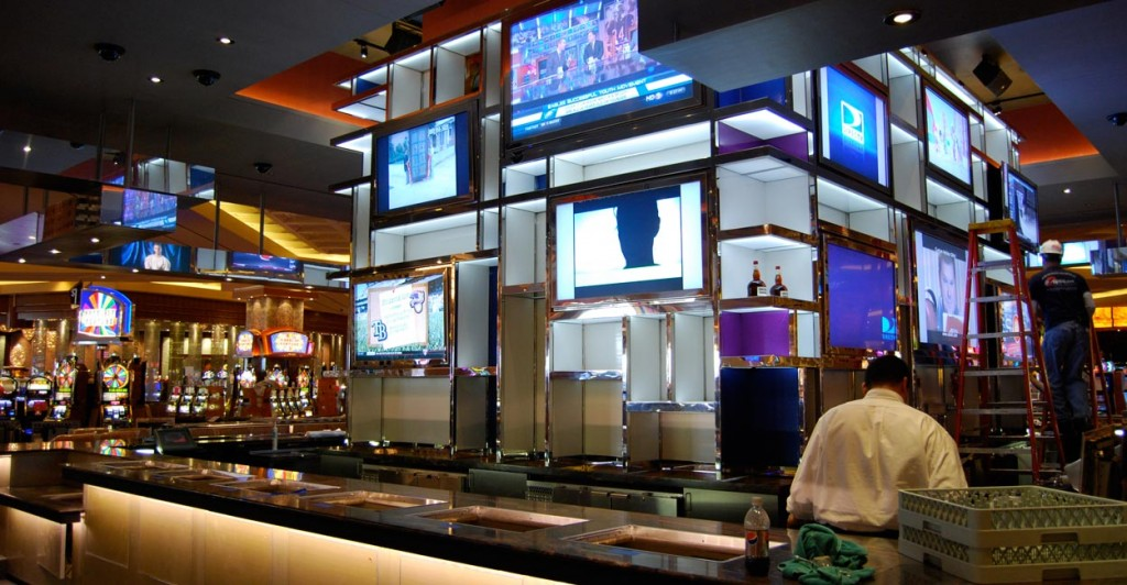 Sports bar designs images galleries for Lounge pictures designs